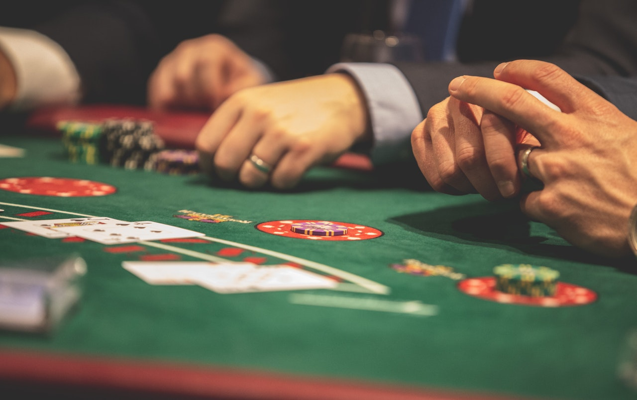Four Sales Tips That Small Businesses Can Learn from the Casino Industry -  Ted Hickman